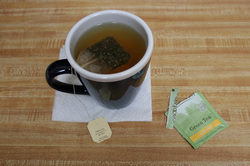 green tea bag as first aid for conjunctivitis